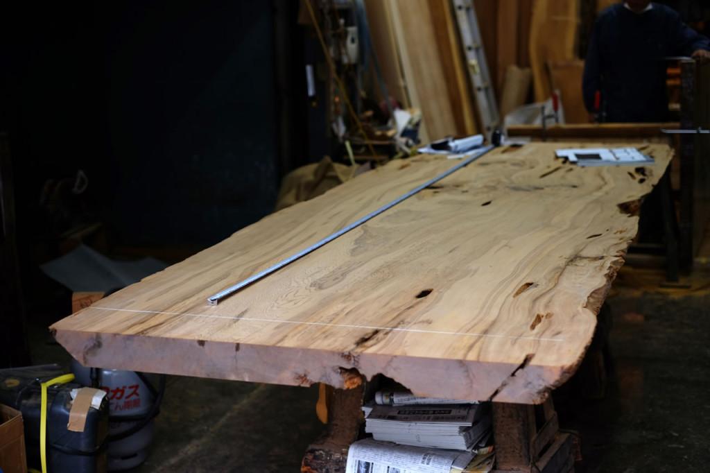 屋久杉のダイニングテーブル